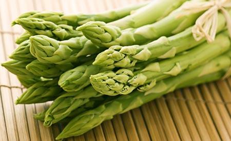 Jetzt in Saison: Gemüse & Obst im April