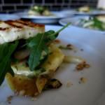 Gut kombiniert: Warmer Fenchel-Birnen-Salat mit Haloumi