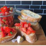 Trockentraining Italien: Einfache Tomaten-Bruschetta