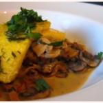 Pilz perfect: Schwammerlsauce mit Polenta
