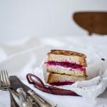 Küchenquickie: Croque Monsieur mit roter Bete und Ziegenkäse