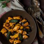 Süßkartoffel-Gnocchi in Balsamico