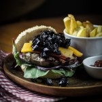 Sous Vide Burger mit Rote Bete Relish