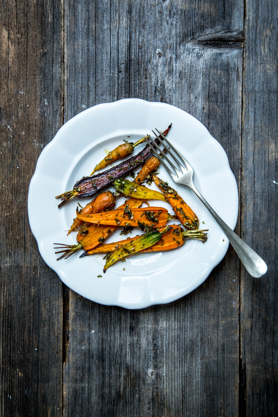 Geröstete Karotten mit Karottenpesto