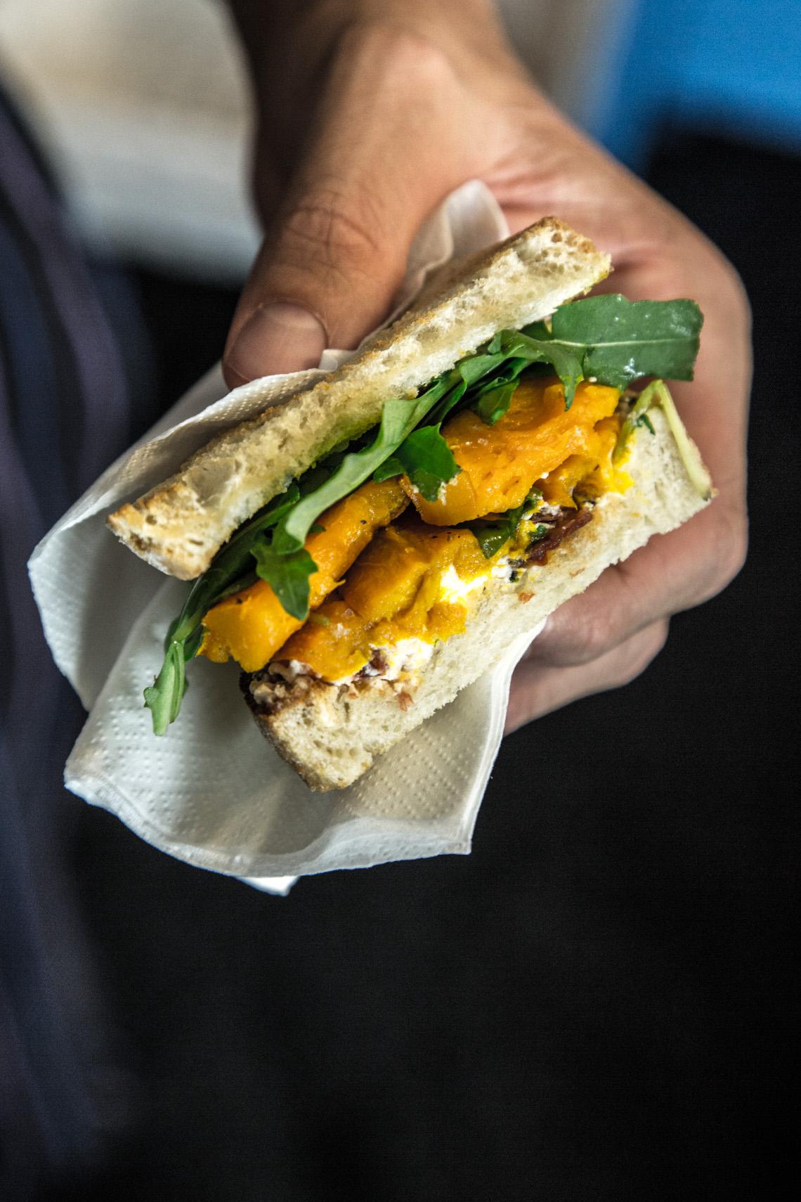 Kürbis-Sandwiches mit Ziegenkäse