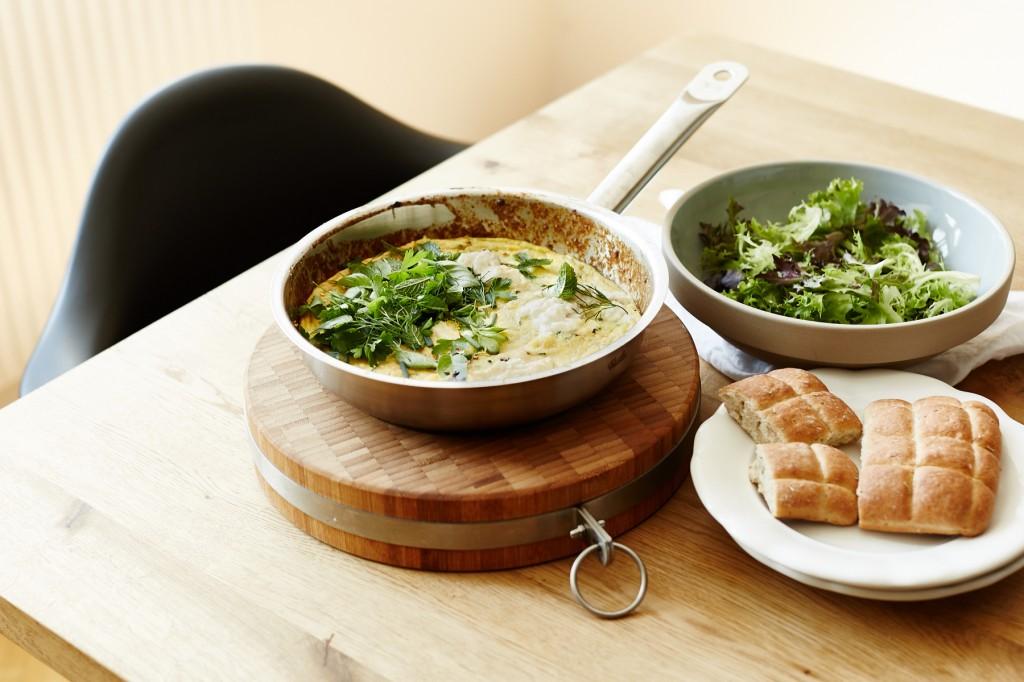 zucchini frittata mit frischen kr utern the stepford husband. Black Bedroom Furniture Sets. Home Design Ideas