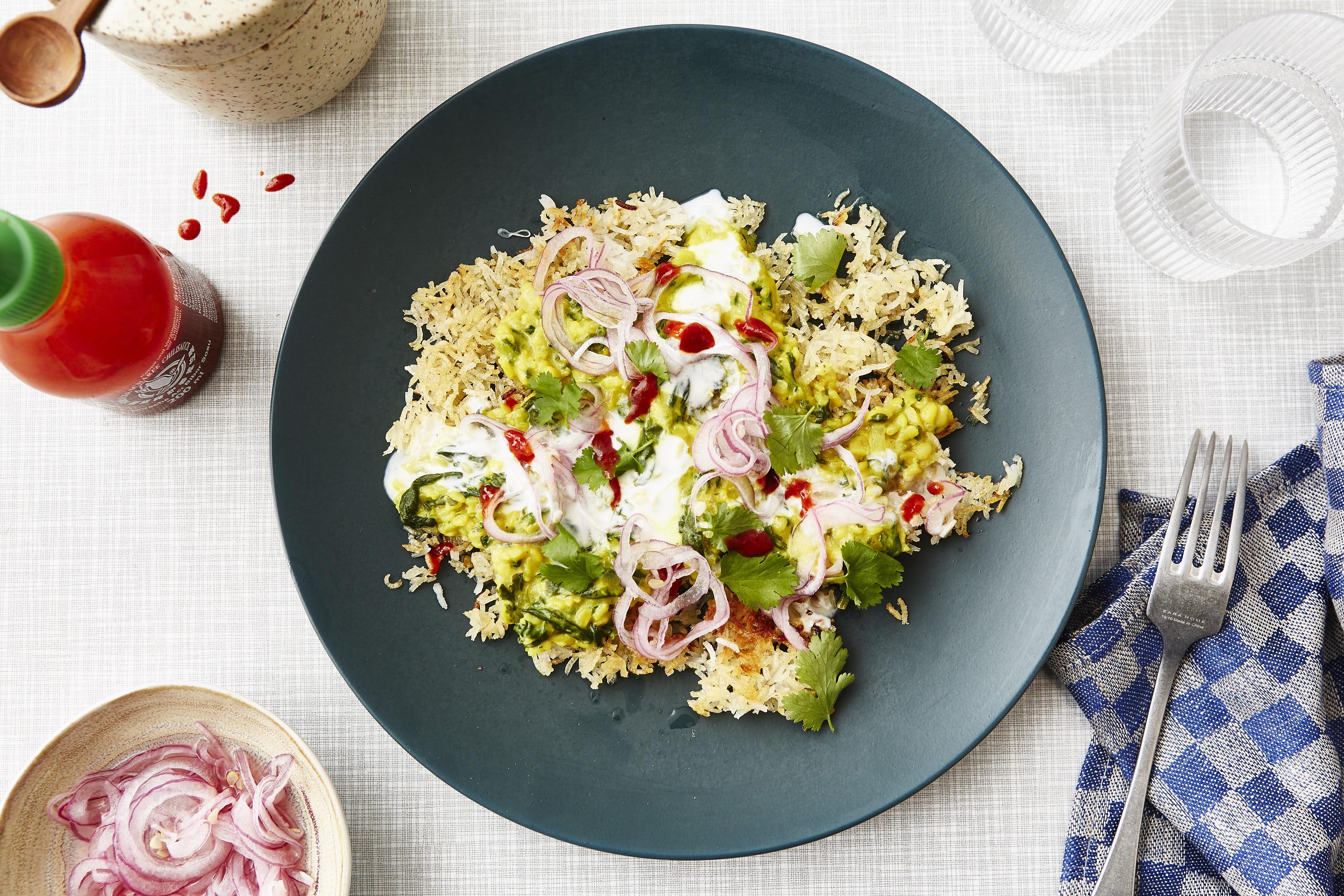Spinat-Linsen-Dal mit knusprigem Reis