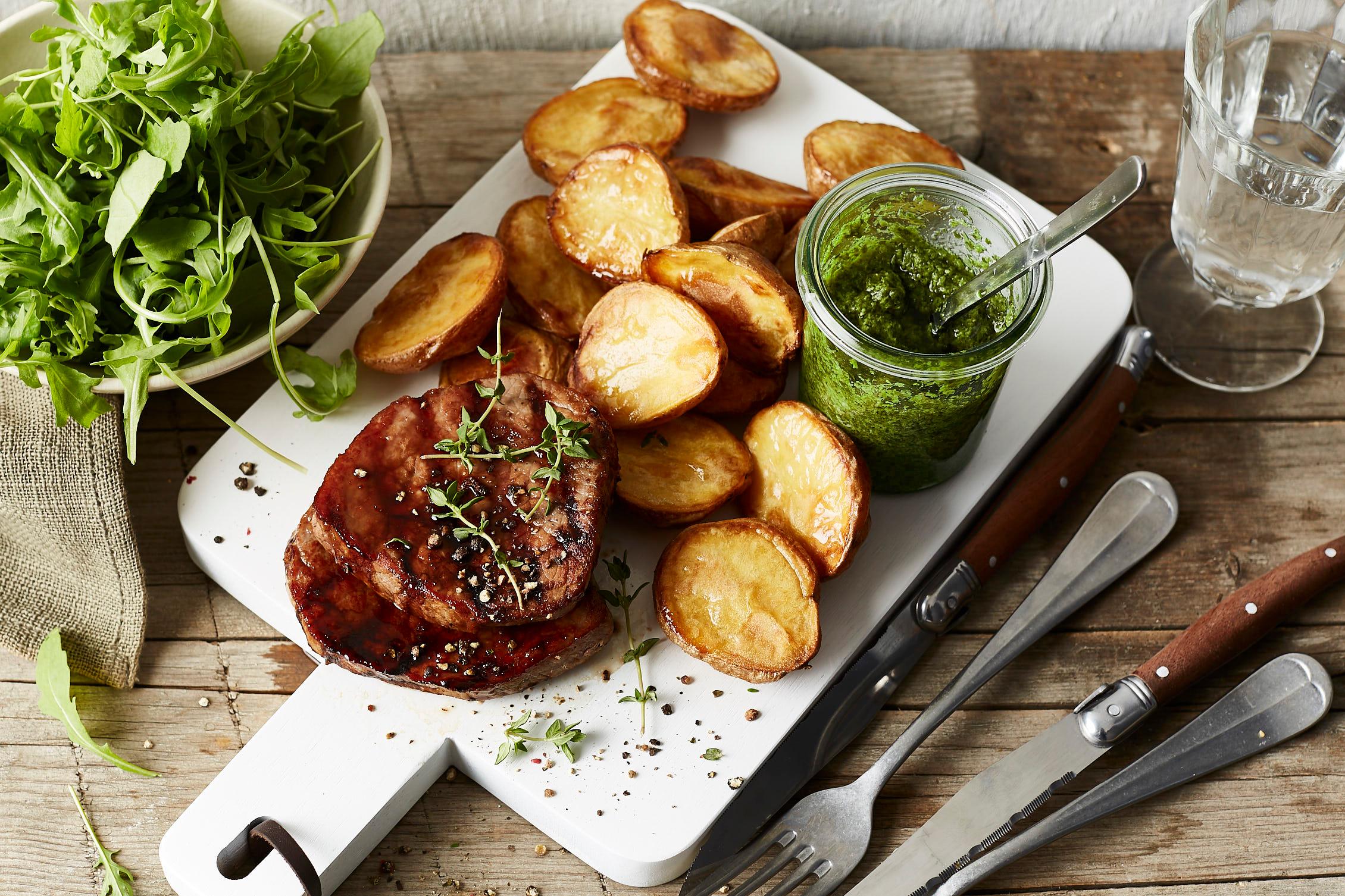 einfach-lecker-minutensteaks-ofenkartoffeln-salsa-verde--2