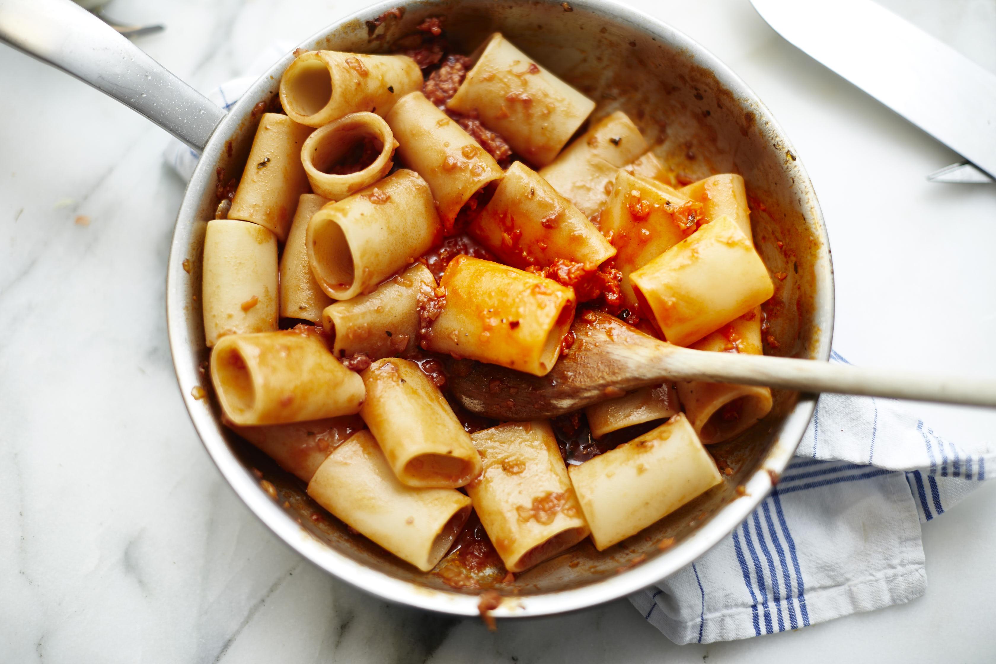 Salsiccia Bolognese Pasta schnell einfach 6