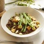 Sobanudeln mit Tahin-Sauce und Tofu