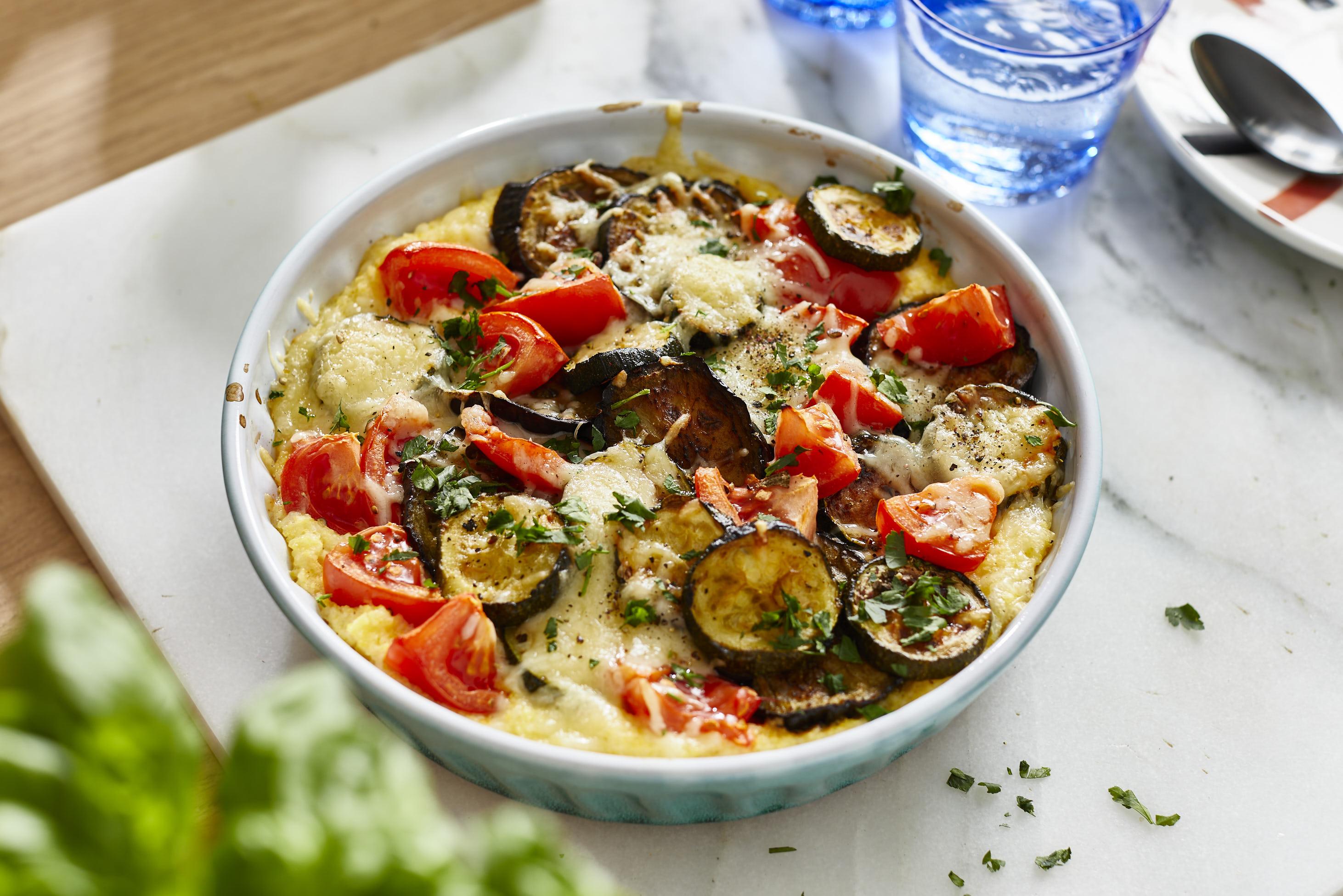 Überbackene Polenta mit Gemüse