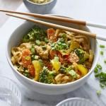 Thermomix: Curry-Nudeln mit Gemüse und gebratenem Fleisch